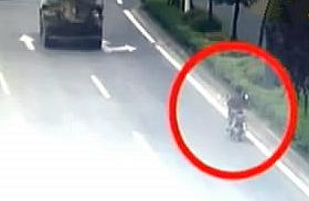 摩托车电动车事故频发 交通陋习不可有!