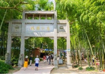 芜湖马仁奇峰的玻璃栈道,被评为国内最险耗资最大的观景平台