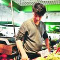 芜湖毕业大学生卖菜月入2万 开直播把生意做到线上