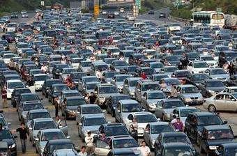 国庆假期小客车上高速免费 易堵路段公布