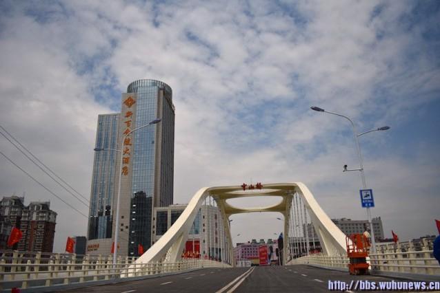 建设单位答疑新中山桥实行人车分离原因