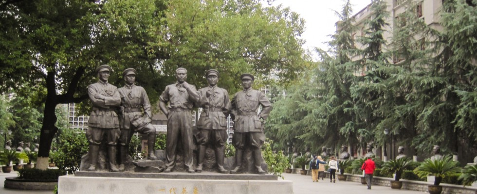 建军90年,走进南昌城,听八一凌晨的枪声